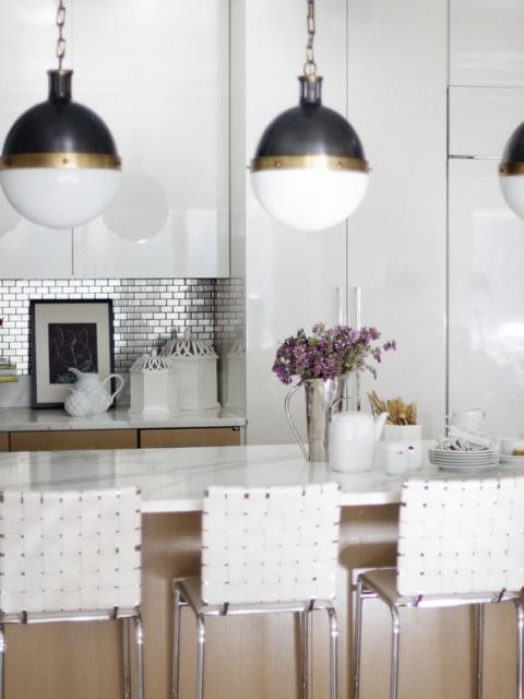Modern Style Kitchen with 1 x 2 Backsplash Tile.preview