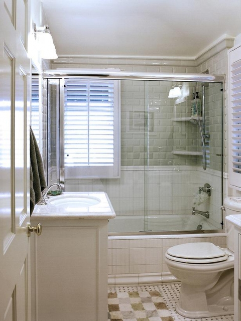 Bathroom Green and White Tile.preview
