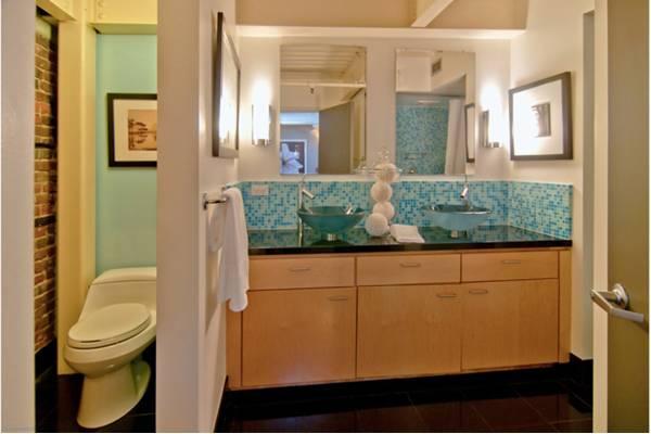 Bathroom vassel sinks