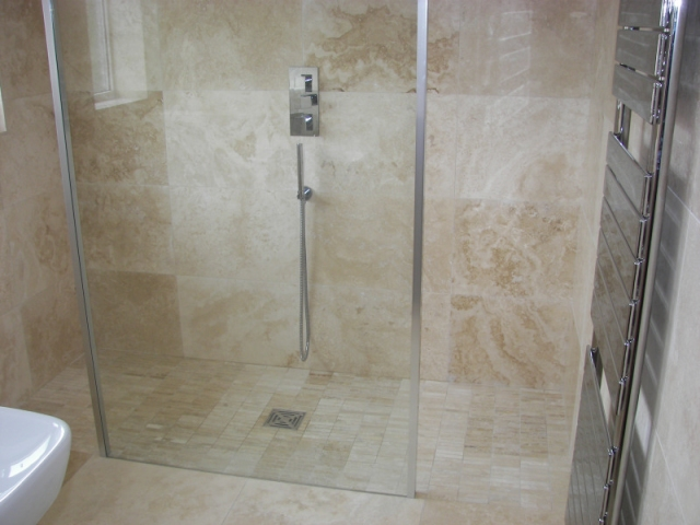 Contemporary Shower with Travertine Tile.preview