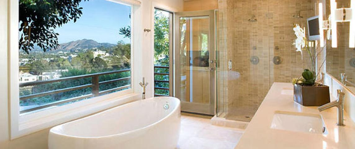 Imperia-Luxury-Tub-Shower1