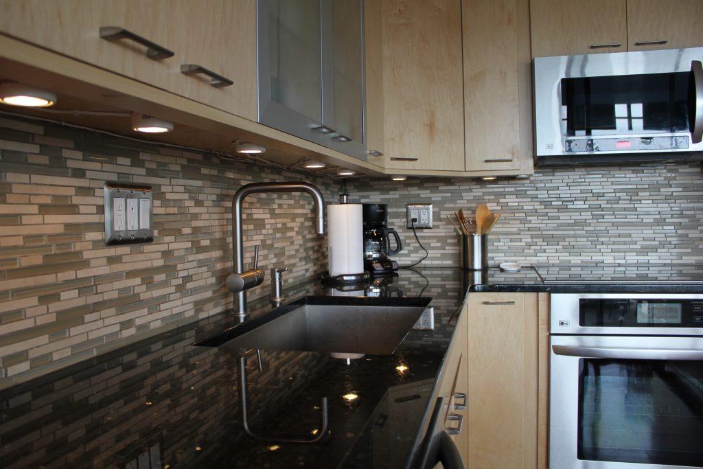 undermount-stainless-kitchen-sink