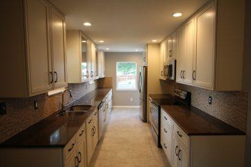 Brown Lines Modern Kitchen